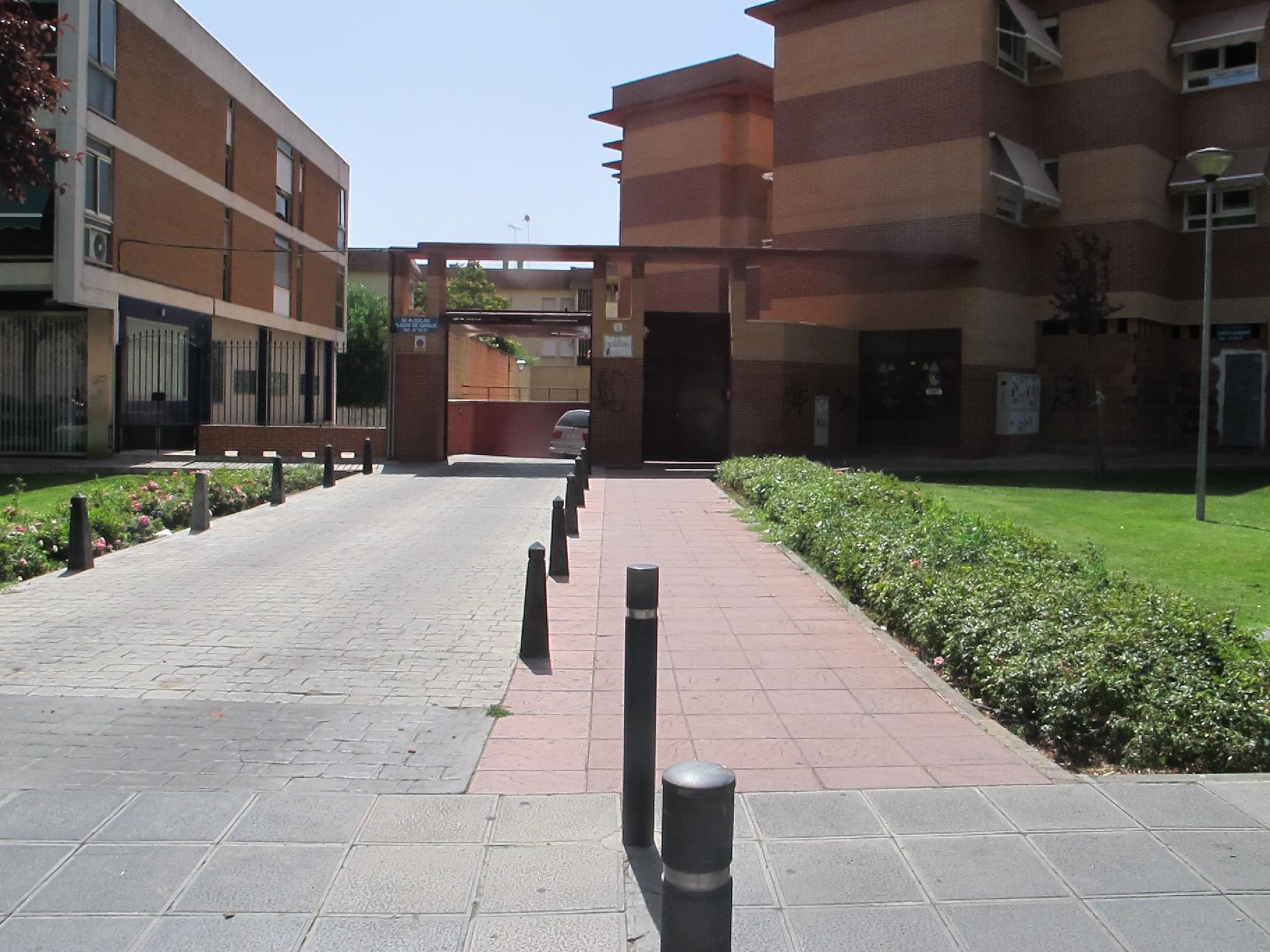 Se alquila plaza de garaje promotora inmobiliaria aguilar for Plaza de garaje huelva