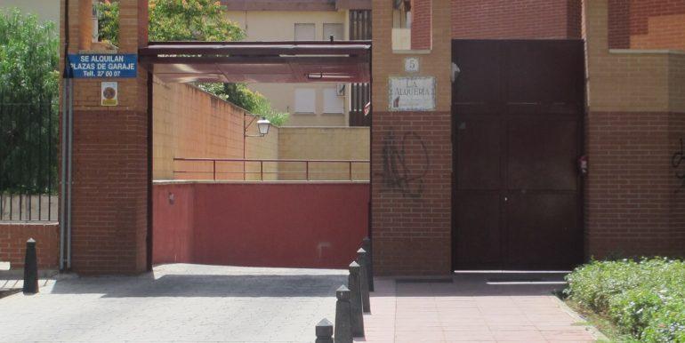 Se alquila Plaza de Garaje 03 002
