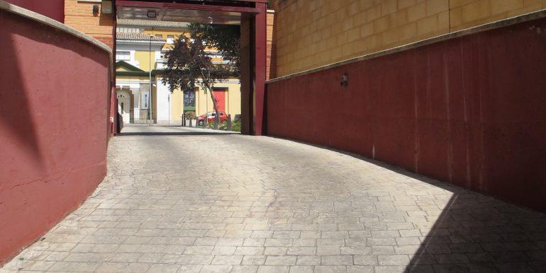 Se alquila Plaza de Garaje 03 008